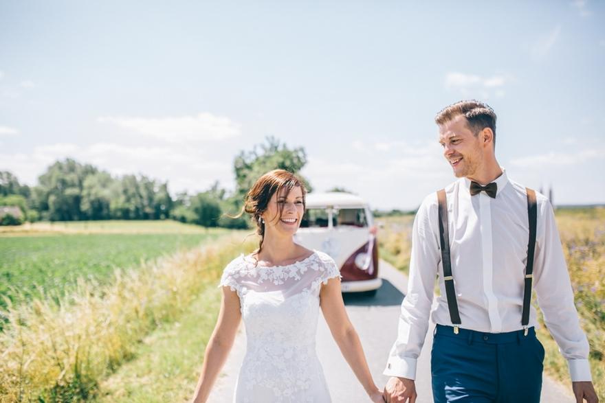Eine Vintage Hochzeit Mit Vw Bulli Fliege Und Hosentragern In